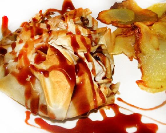 Saquets de filet amb pernil ibèric i ceba caramel · litzada